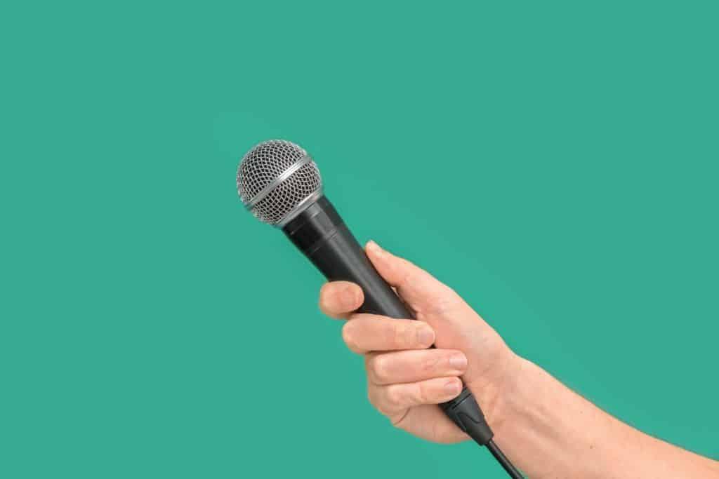 black-corded-microphone-3532005